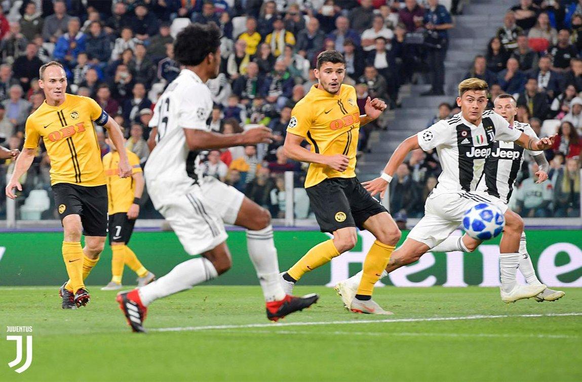 Dybala segna il terzo goal chiudendo un'ottima azione corale della Juve al limite dell'area dello Young Boys