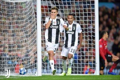 Esultanza di Dybala dopo il goal dell'1 a 0 in Man United-Juventus